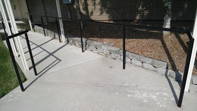 one line steel handrail for wheelchair ramp