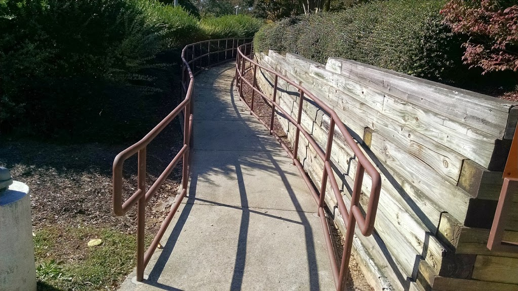 3 line steel ramp railing with 90 degree elbows for corners