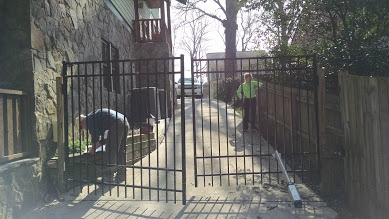 images/double_driveway_gate.jpg